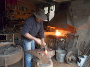 gites des hirondelles - pascal masson sculptiue métal